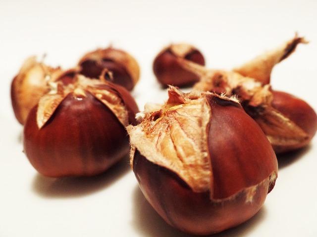 Edelkastanienhonig schmeckt rustikaler, als der Name vermuten lässt.