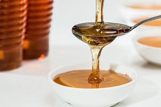 """Honigbier wird wie """"richtiges"""" Bier gebraut - unter Zugabe von Honig."""